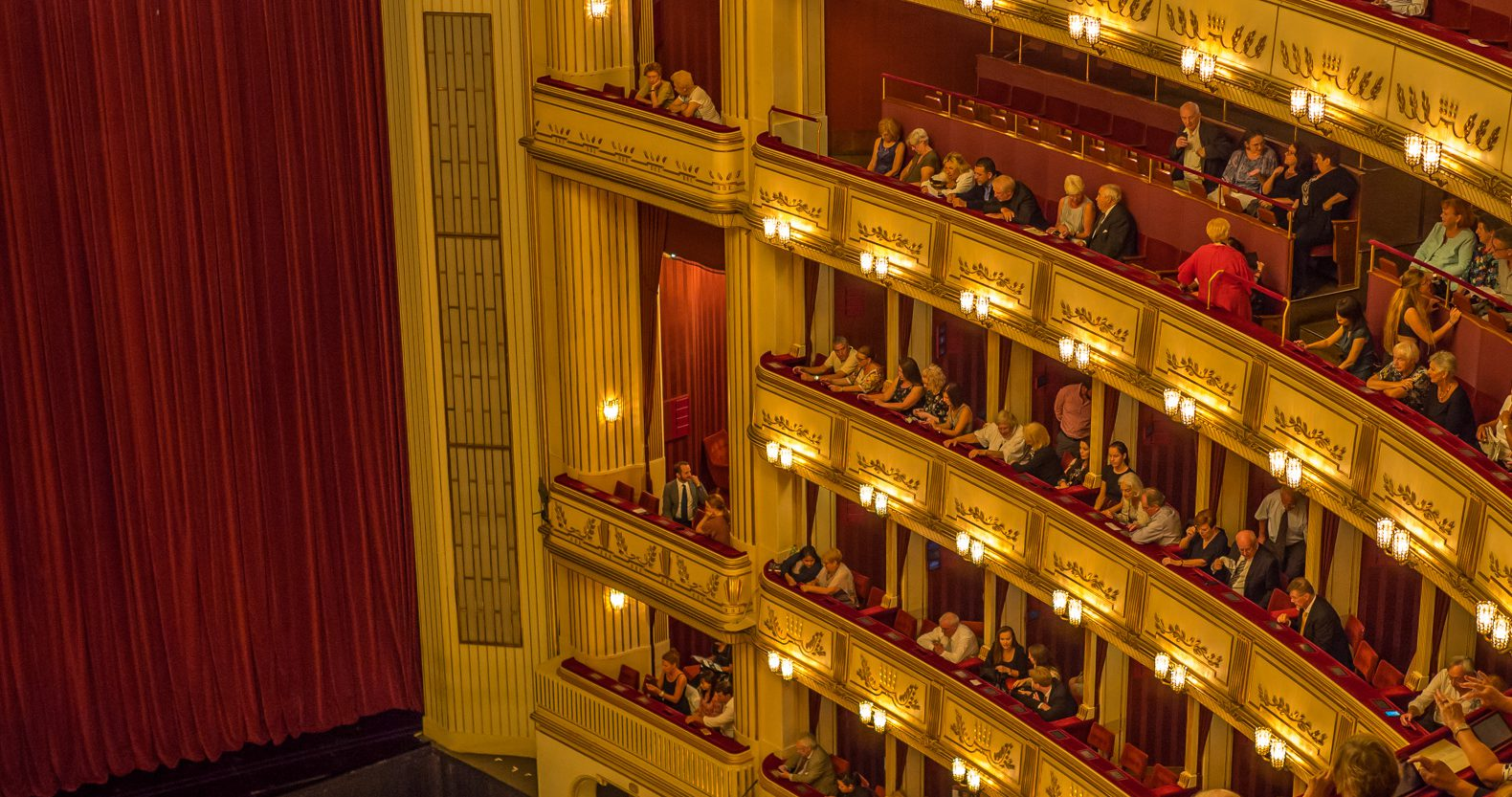 How to get Vienna opera tickets for only 3 Euros!