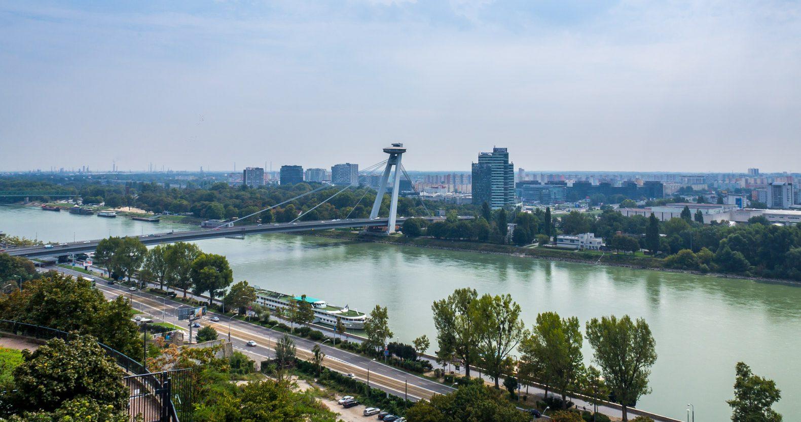 Bratislava: Vista of the Danube river