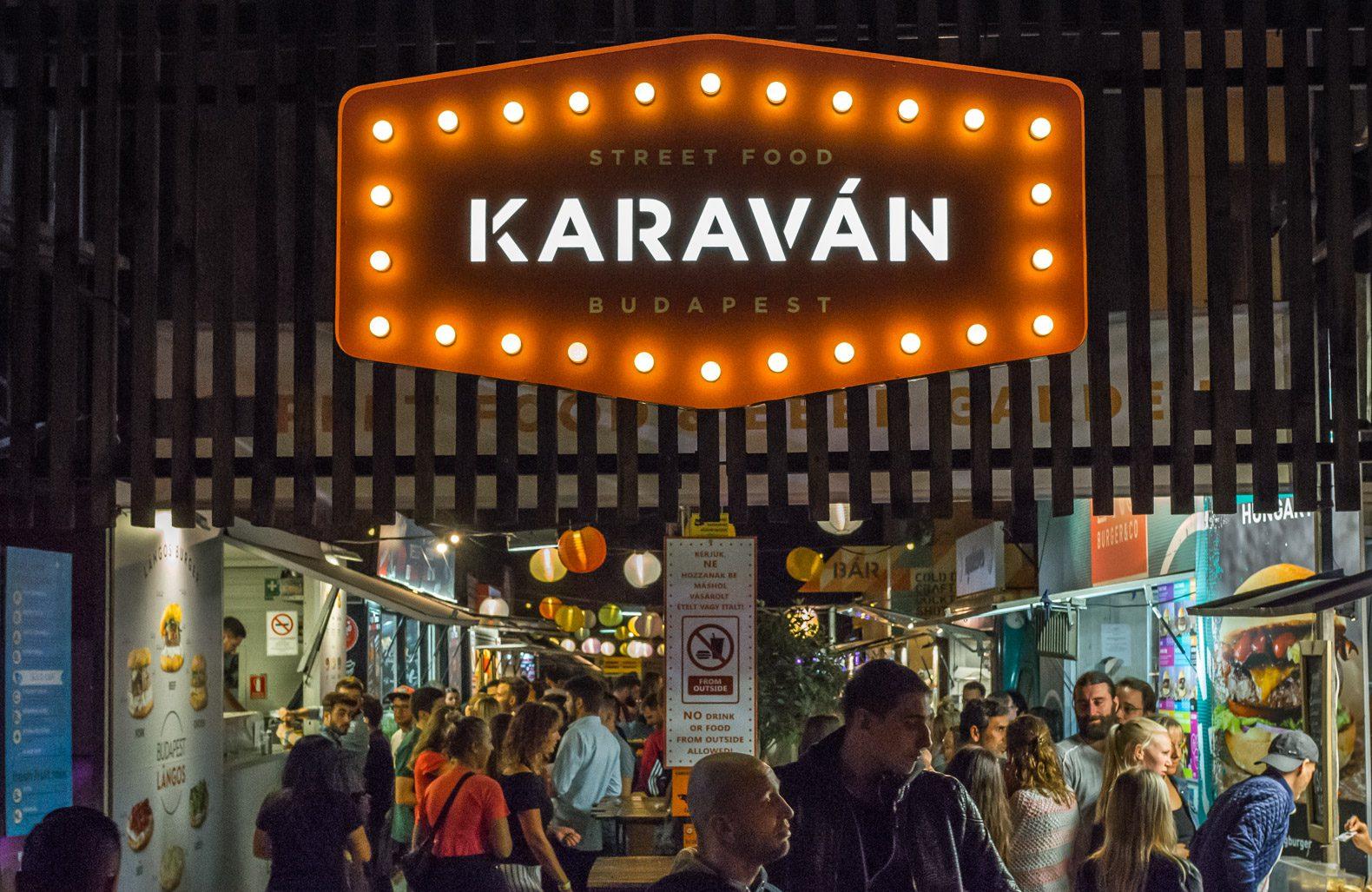 Ruin pubs in Budapest: Street Food Karavan