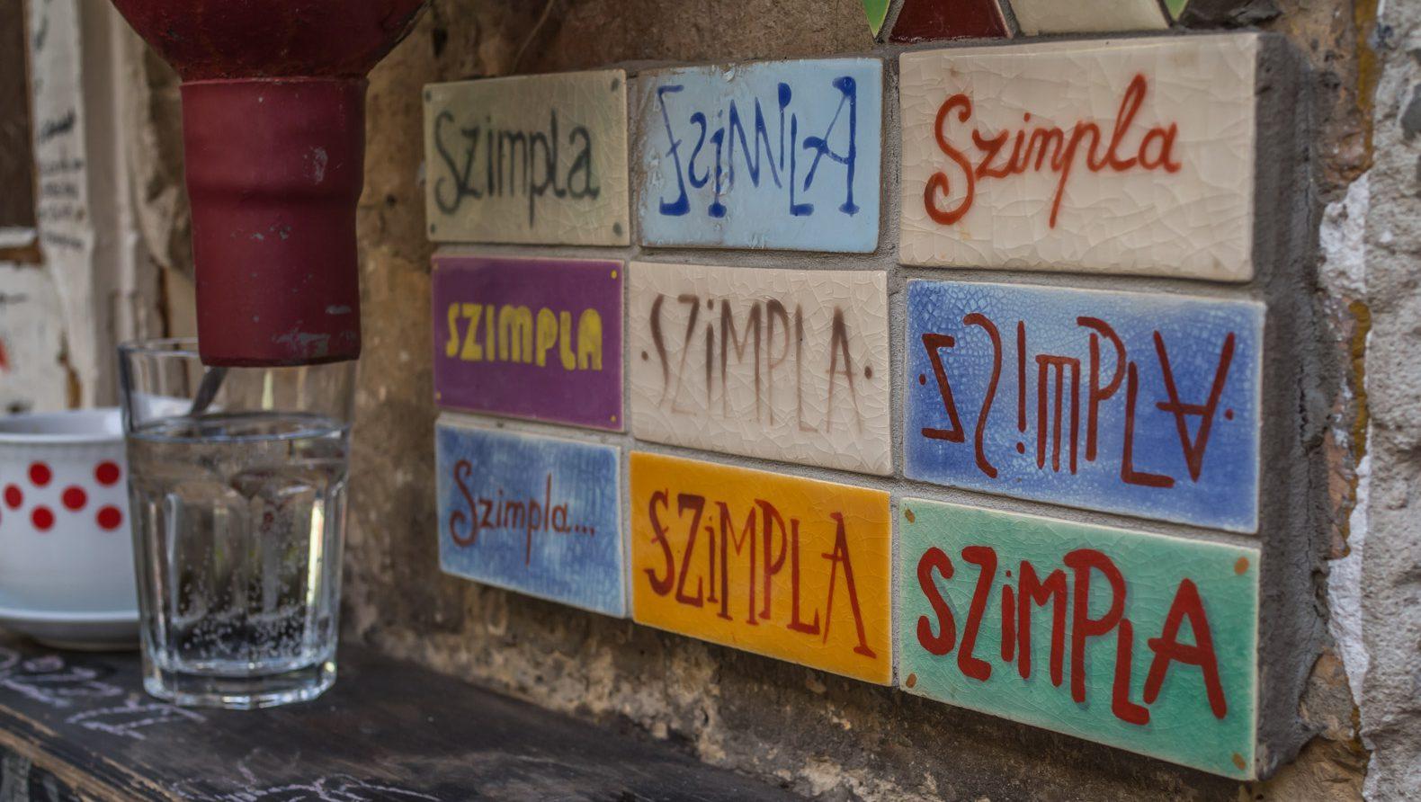 Szimpla Kert: the most popular ruin pub in Budapest