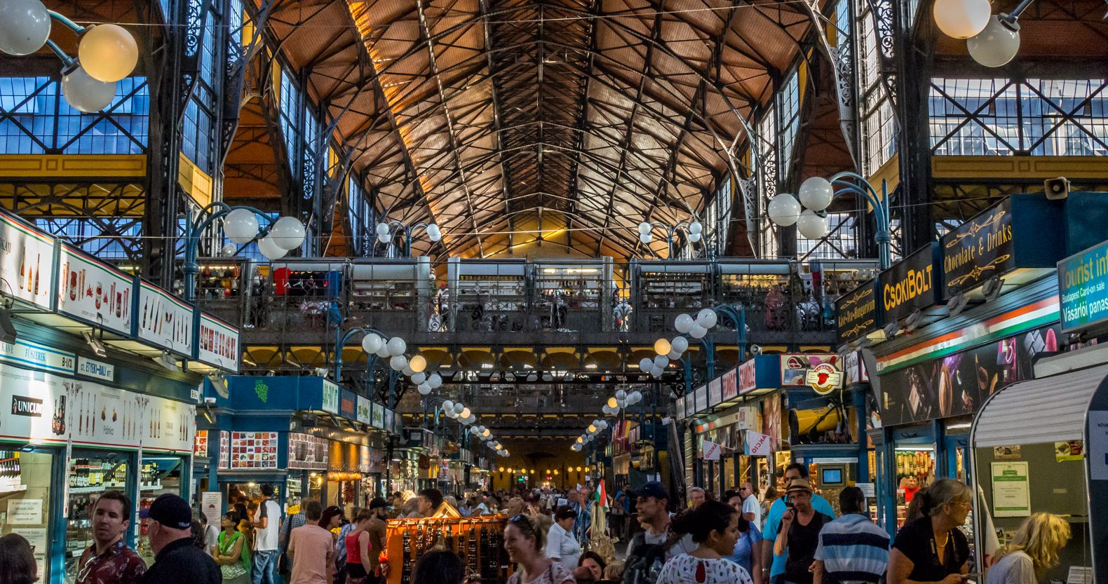 Budapest things to do: the central market hall