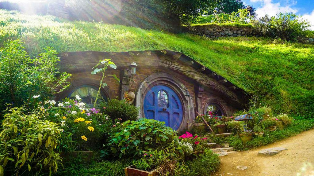 Hobbiton Movie Set in New Zealand: definitely on our round the world itinerary