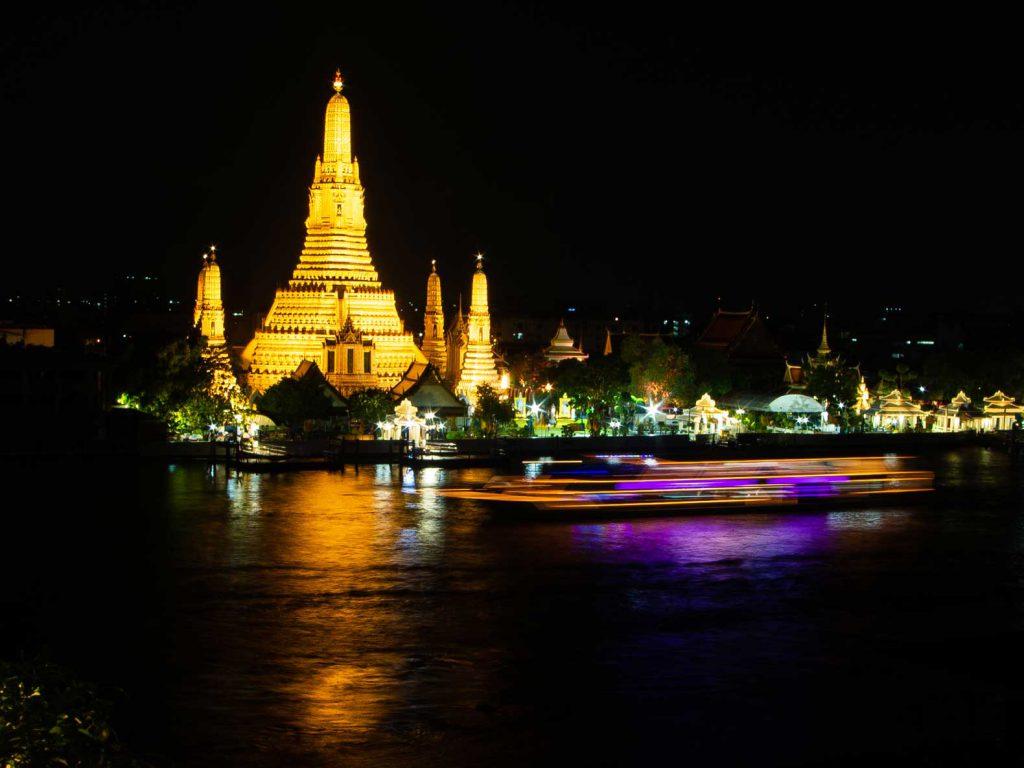 Wat Arun (Temple of Dawn) at night, Bangkok.