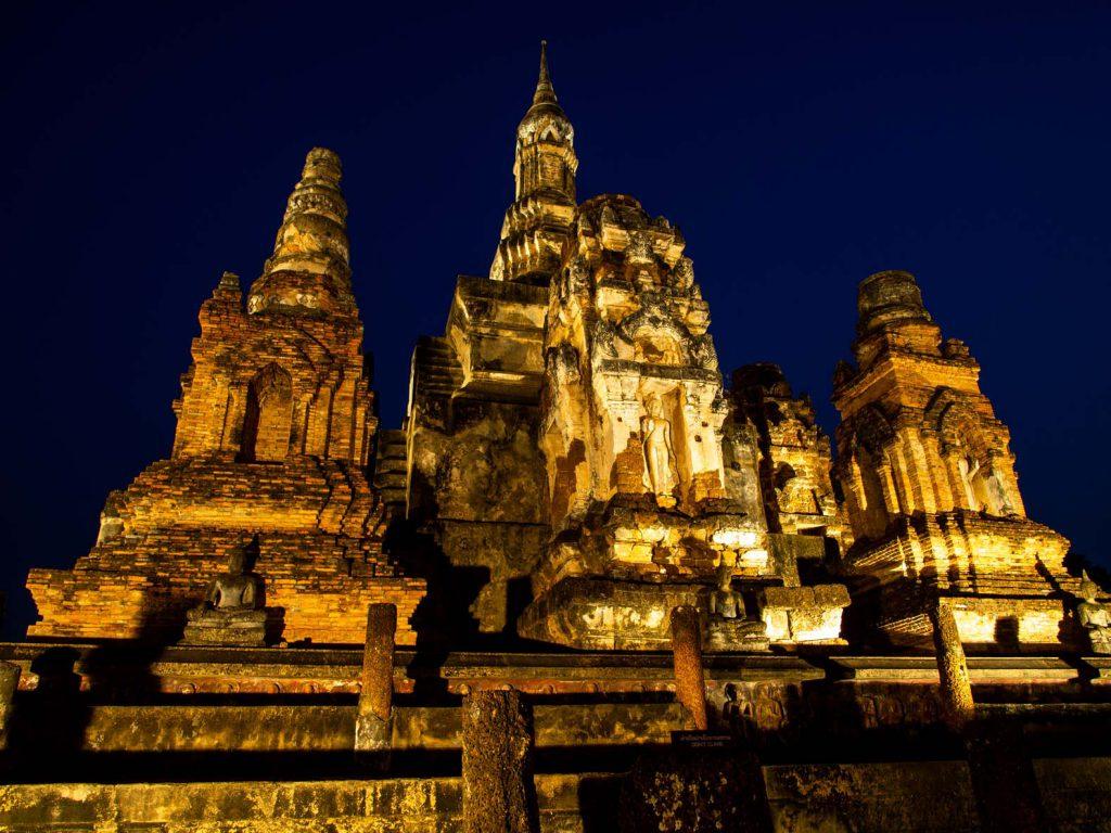 Sukhothai buddhist temple by night