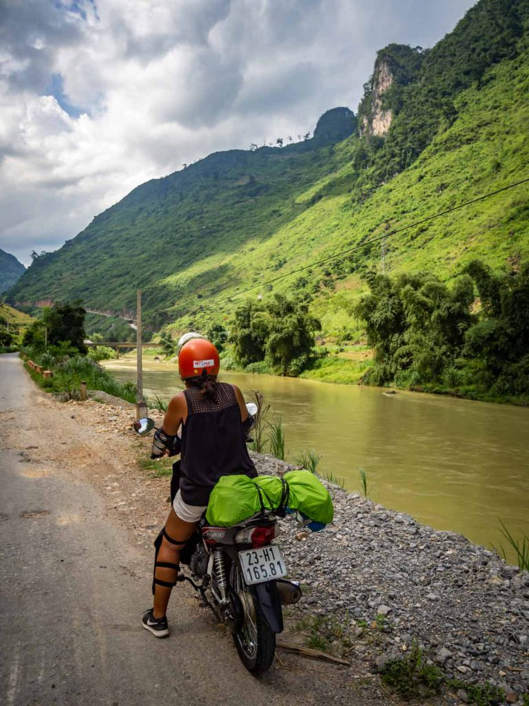 Following the Son Lo river out of Ha Giang