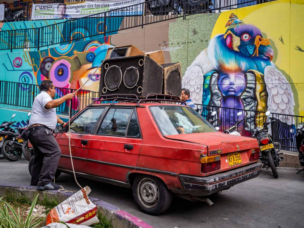 A guy in Comuna 13 in Medellin (Colombia) moving his soundset